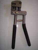 pinza-plegadora-y-perforadora-tama-manual-combinada-2